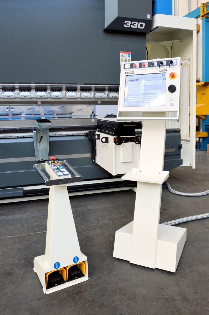 CNC rolling floor stand wireless foot pedal