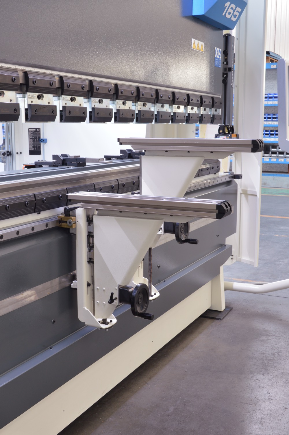 adjustable front supports press brake subcontractor
