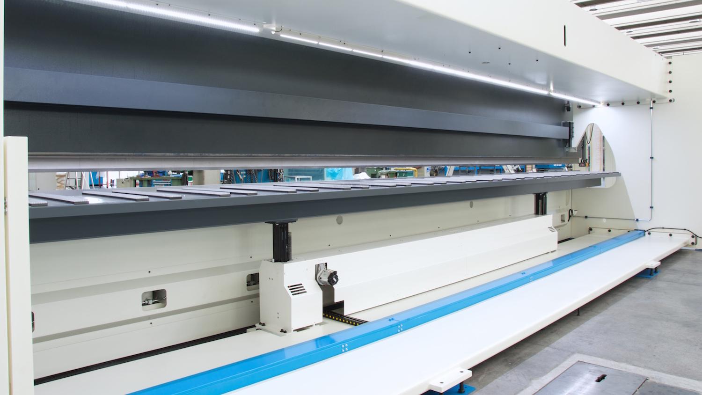 gutter fabrication backgauge