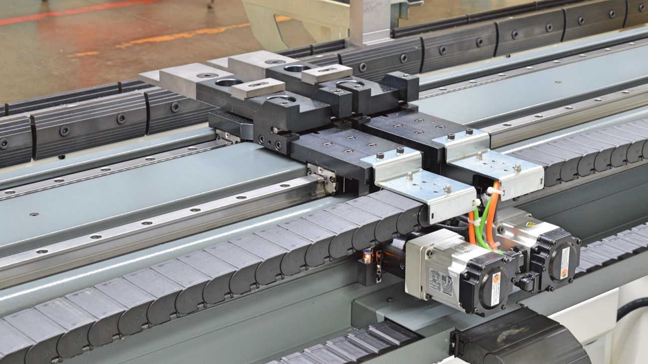 hinteranschlag 4 achsen CNC gesteuerte