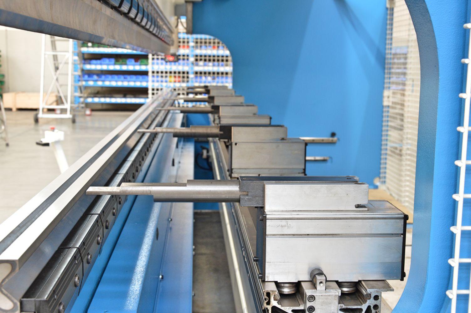 mantenimiento reequipamiento tope trasero prensa plegadora