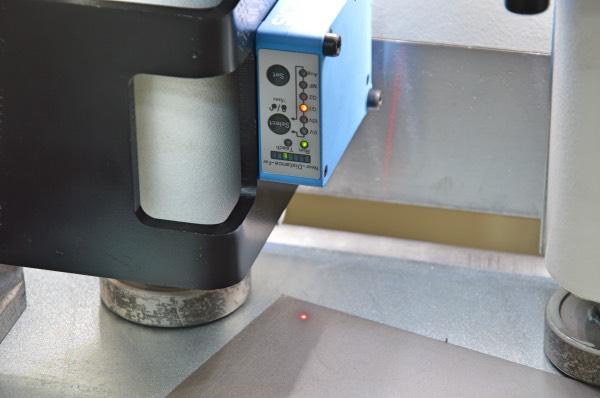 misuratore di spessore della lamiera per cesoia