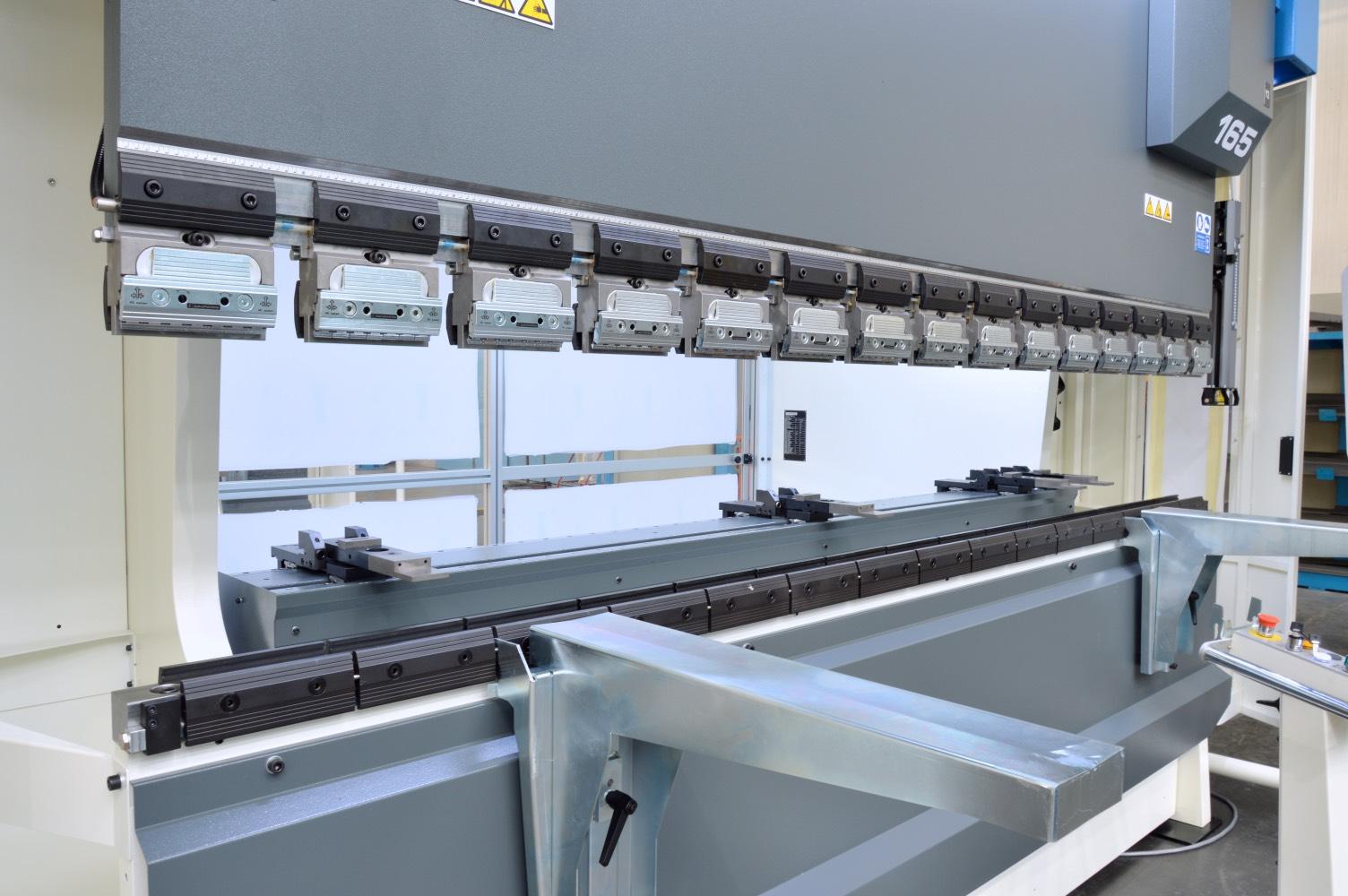 new press brake pneumatic clamping backgauge