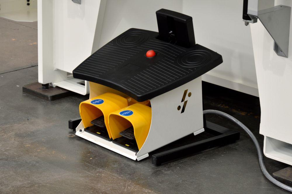 pedaliera ergonomica regolabile pressa piegatrice