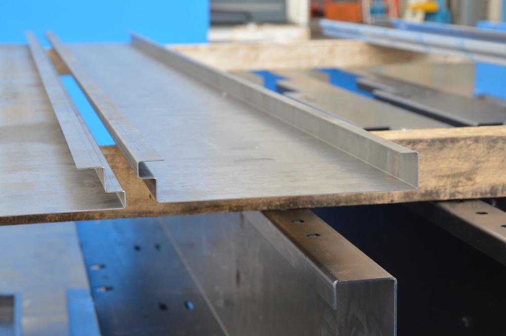 pieza plegada chapa control ángulo acero