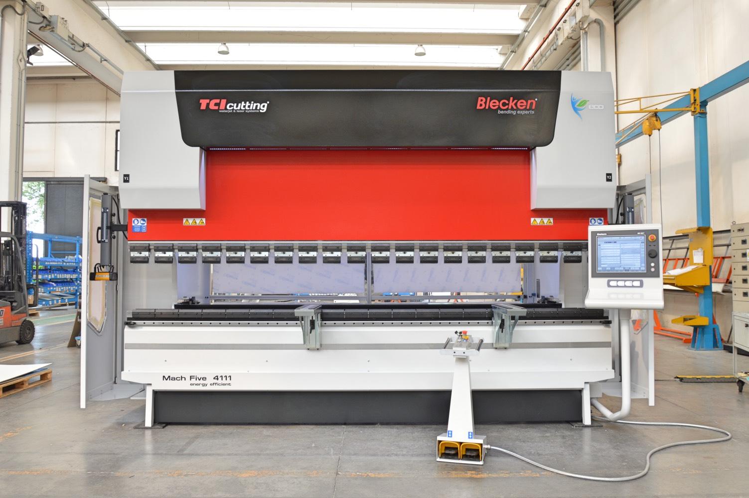 prensa plegadora 110 ton hidráulica lista para entrega