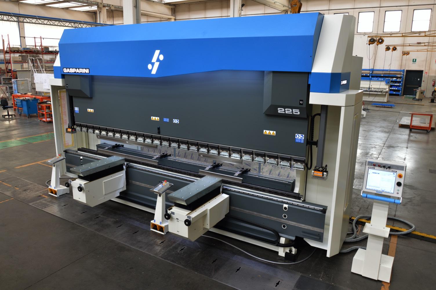 prensa plegadora 225 toneladas 5 metros levantadores
