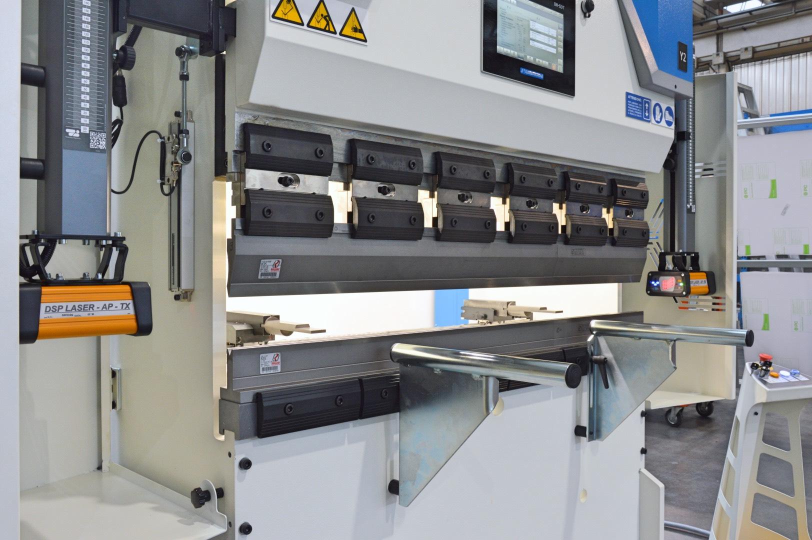 prensa plegadora 25 ton amarres manuales