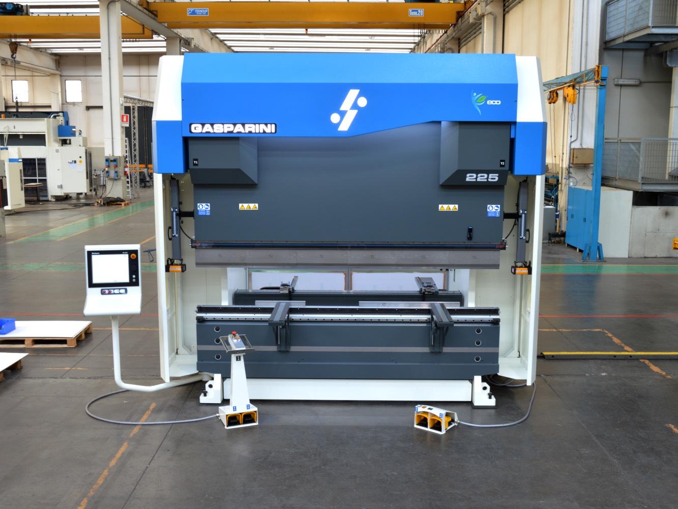 prensa plegadora 3 metros transformado de chapa metálica