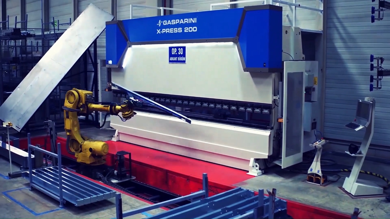 prensa plegadora célula robotica automoción