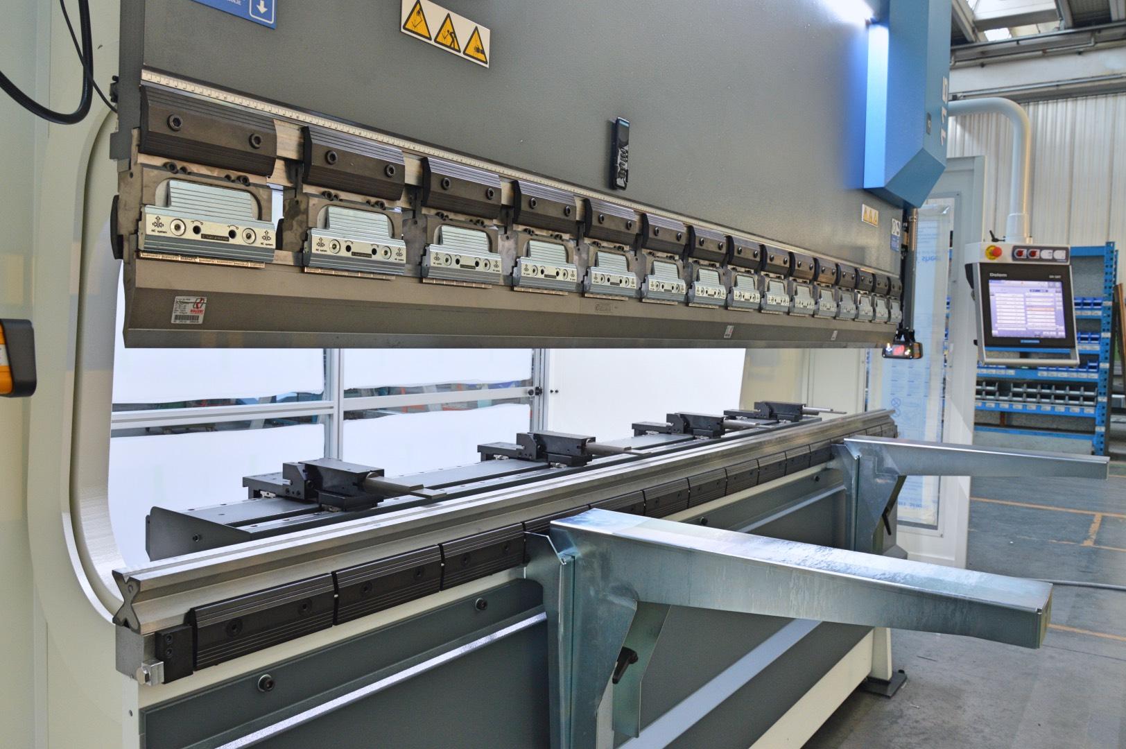 prensa plegadora nueva 115 ton 3 metros