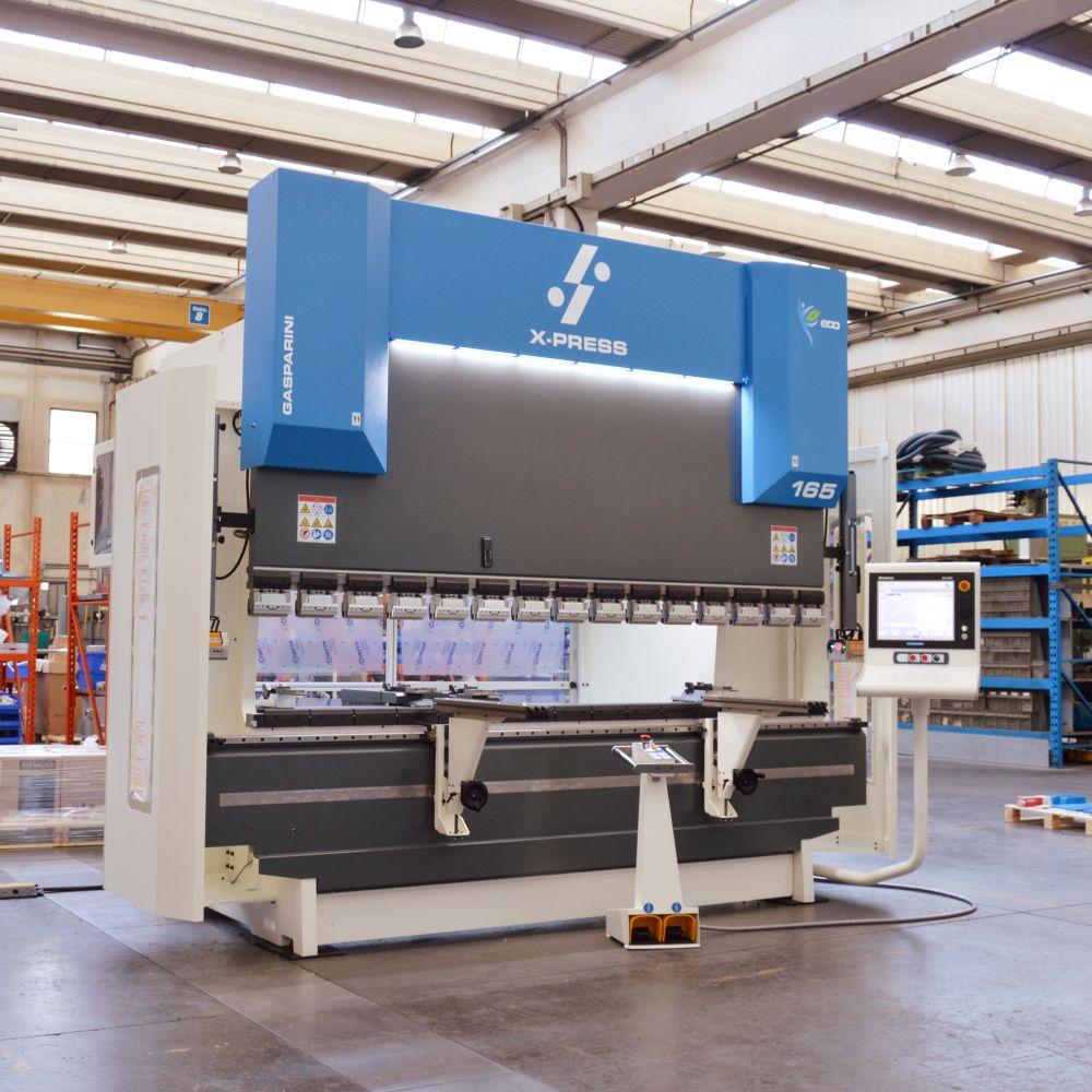 prensa plegadora producción carretillas remolques