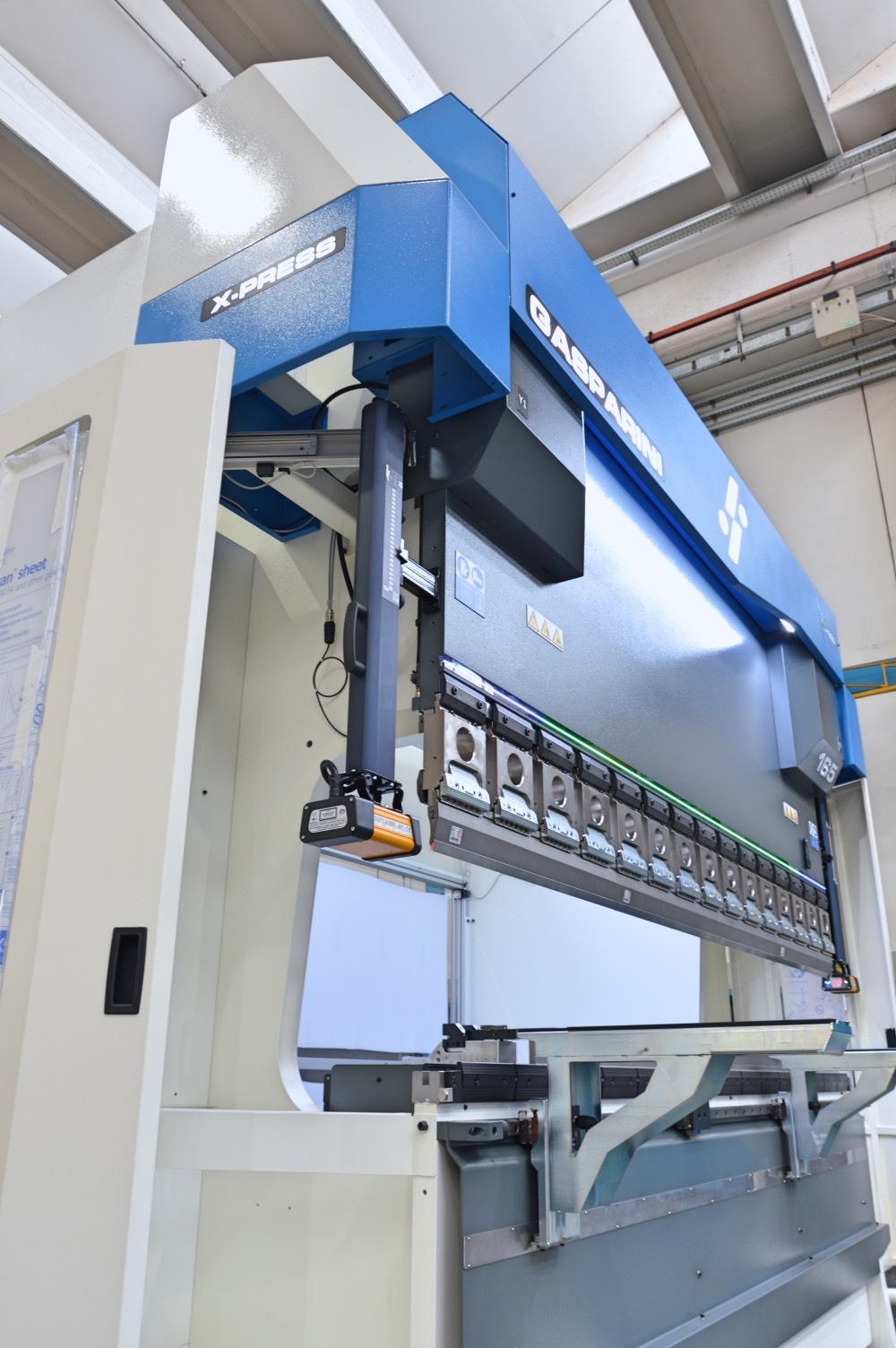 press brake for sheet metal plasma cutting