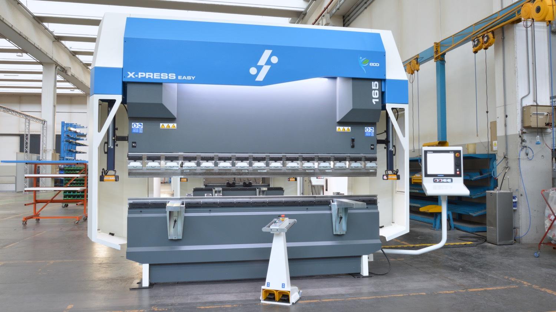 pressa piegatrice 165 ton 3 metri produzione materie plastiche