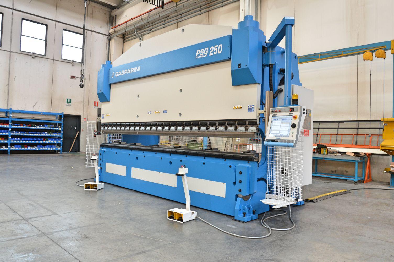 revisión prensa plegadora hidráulica 250 ton 5 metros