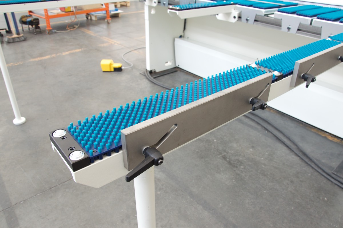 shear squaring arm bench antiscratch brushes