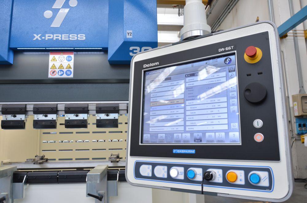 small 30-ton hydraulic electric press brake price