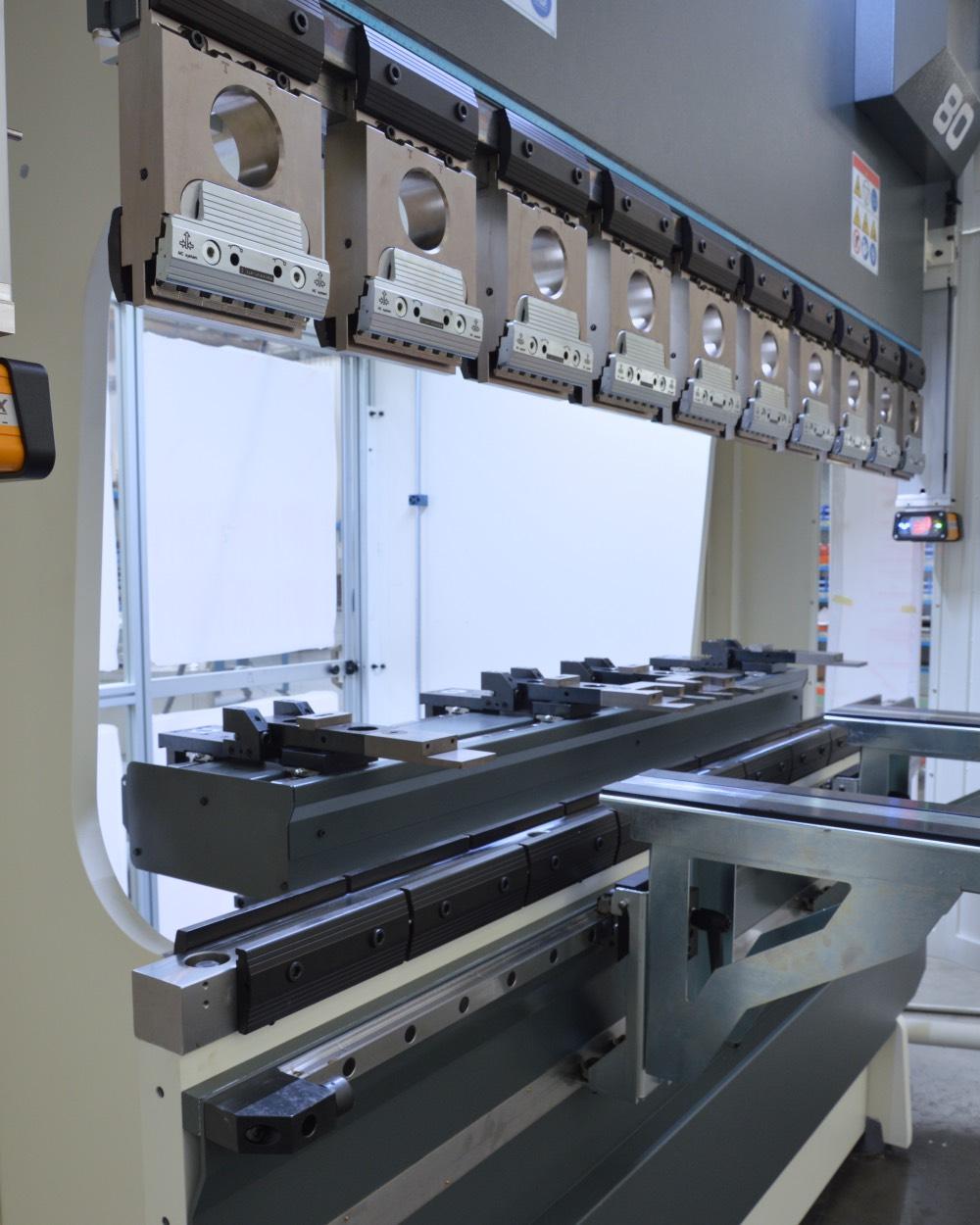 subcontractor increased open height press brake