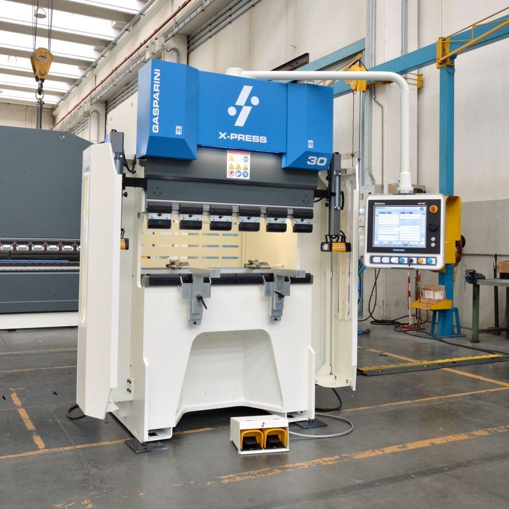 subcontractor press brake 30 tons 1250 mm new