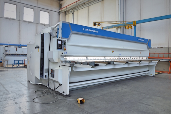 very large guillotine shear 240 inches